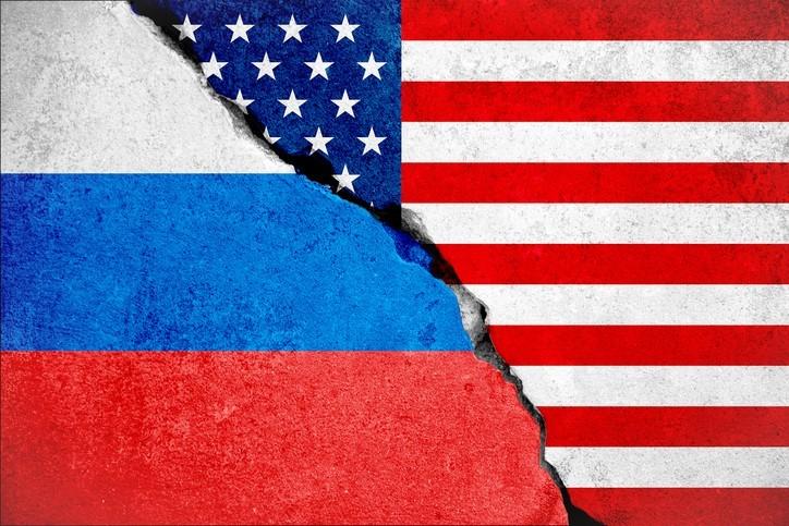 US_russia_flags.jpg