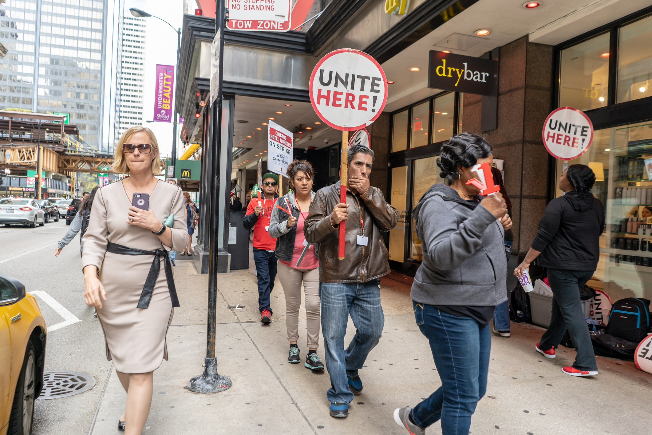 Hotel workers striking downtown Chicago